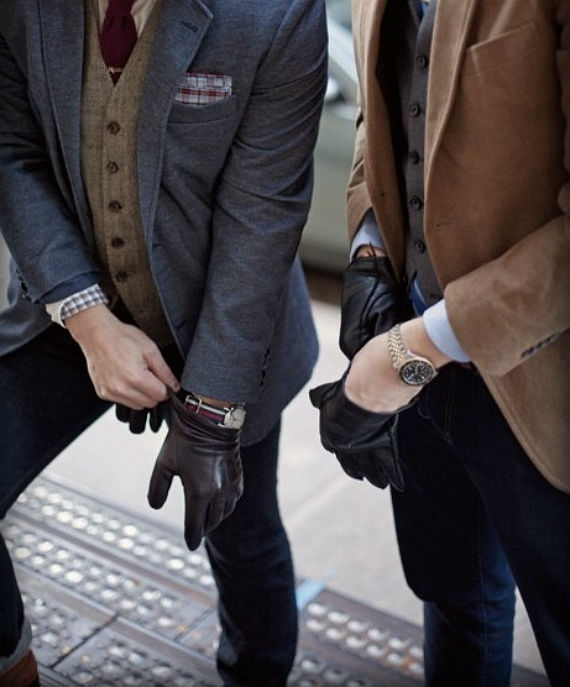 Keep Your Hands Warm with Men's Cold Weather Gloves. Men's cold weather gloves protect your hands from chilly and wet weather conditions. They come in a wide range of styles, colors, and materials to match your current outdoor gear.