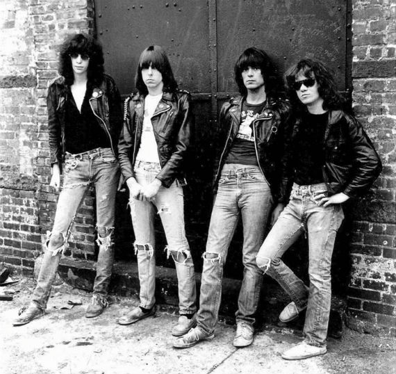 jeans_destroyed_masculino_ramones