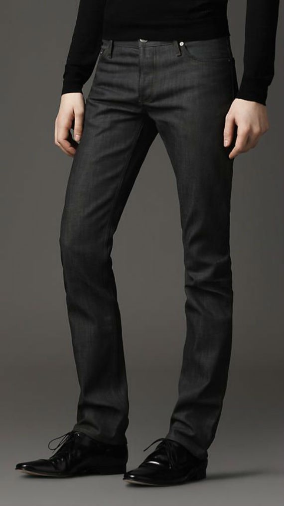 black-jeans-slim-fit