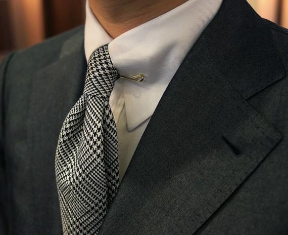 prendedor-colarinho-collar-clip02