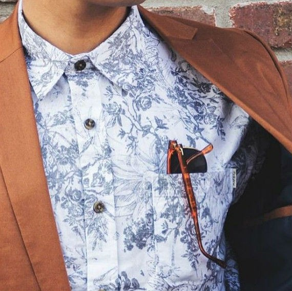 roupas_masculinas_floral_moda_camisa_tom_sobre_tom-2
