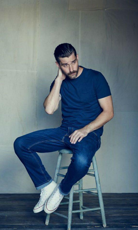 10 Dicas Para Usar a Camiseta Básica do Jeito Certo
