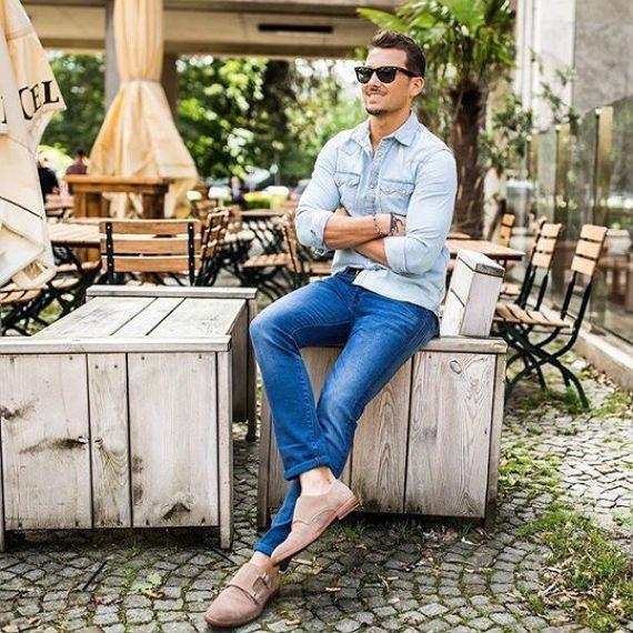 O Look Certo: Double Jeans Dando Destaque ao Sapato