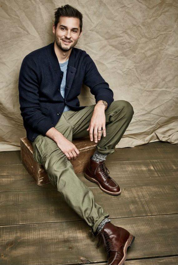O Look Certo: Casaco, Calças Cargo e Botas