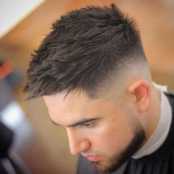 cortes de cabelo curto masculino topete jogado pro lado