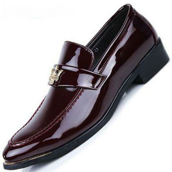 Sapatos de Couro Comum, Verniz e Camurça: Onde Usar?