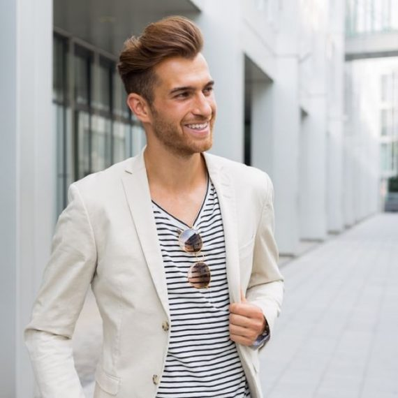 5 Sugestões de Looks Com Blazer Masculino Para o Verão