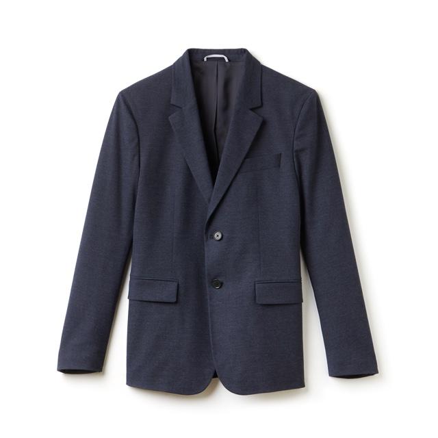 f386e2d993c A coleção é complementada com um blazer de gabardine com calças plissadas  combinando (basicamente formam um costume) e mais duas calças chino também  de ...